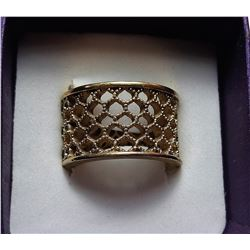 16)  SIZE 8 OPEN BASKET WEAVE GOLD TONE
