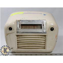 ANTIQUE CANADIAN WESTINGHOUSE RADIO 1950'S
