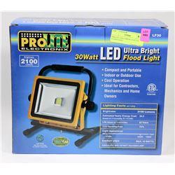 PROLITE 2100 LUMENS 30 W LED FLOOD LIGHT.
