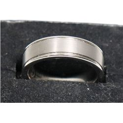 MENS TUNGSTEN RING SIZE 9.75