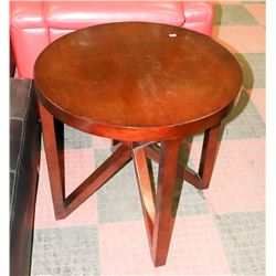 """LARGE WOOD TONE END TABLE, 28"""" X27"""""""