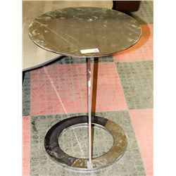 "SOLID METAL END TABLE, 18""X22""H"