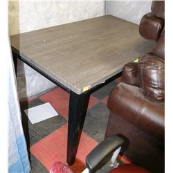 2 TONE WOOD GRAIN STYLE KITCHEN TABLE