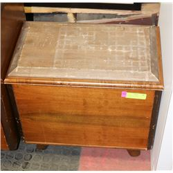 VINTAGE HOPE CHEST.