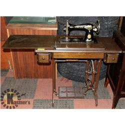 1910 ANTIQUE SINGER SEWING MACHINE