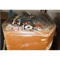 PALLET OF MIXED MEDIA INCL CDS, DVDS, RECORDS AND