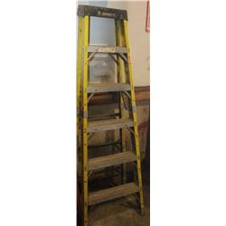 6FT FIBREGLASS STEP LADDER
