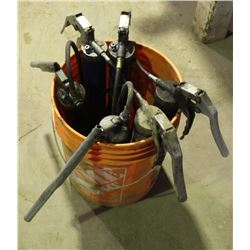 PAIL WITH 6 GREASE GUNS