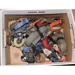 BOX OF VARIOUS RATCHET STRAPS