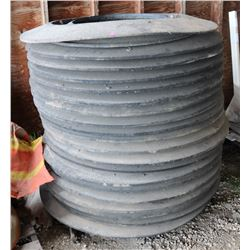 STACK RUBBER MANHOLE DONUTS