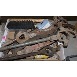 LOT OF HAND TOOLS, KNIVES, STAPLERS, CARPET