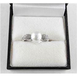 925 Silver Classic Pearl Ring w/ Swarovski Element