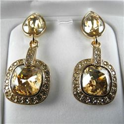 Ladies MMcrystal Earrings with Yellow Gold Plating