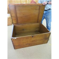 PRIMITIVE WOODEN BLANKET CHEST