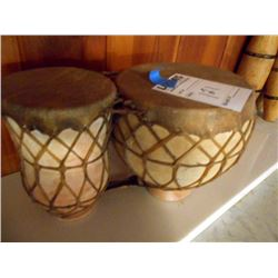 BUNDLE LOT: CLAY BONGO STYLE TBILAT DRUM SET / PAIR OF ANTIQUE GLASS BOTTLES, GREEN