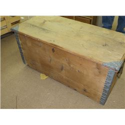 ANTIQUE FLIP TOP TRUNK, PINE