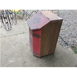 ANTIQUE WOODEN BIN WITH LID