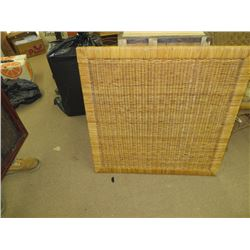 ANTIQUE WICKER TABLE WITH FOLDING LEGS