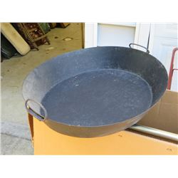 "BUNDLE LOT: ""PAELLA TYPE"" PAN / VINTAGE SMALL DECORATIVE TUB"
