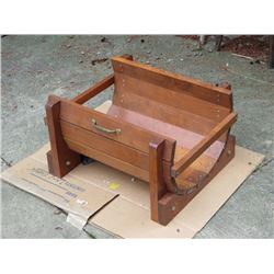 BUNDLE LOT: WOODEN LOG CONTAINER FOR FIREPLACE / LARGE METAL BUCKET