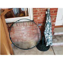 BUNDLE LOT: GREEN GLASS PATIO TABLE / METAL FRAMED PAPASAN CHAIR
