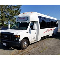 2008 FORD E450 18 PASSENGER LUXURY PARTY BUS