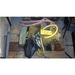 Electric or Air Hoist 1 Ton (Pick Up MTL)