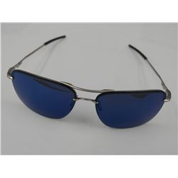 PAIR OF AUTHENTIC OAKLEY SUNGLASSES