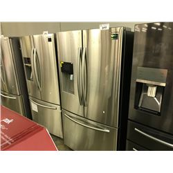 SAMSUNG STAINLESS STEEL REFRIGERATOR WITH WATER/ICE DISPENSER