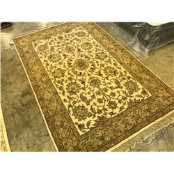 BEIGE FLORAL ANTIQUE PATTERNED AREA RUG 6' X 4' GALLERY PRICE $2680