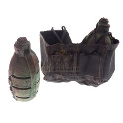 Starship Troopers - Stunt Grenades And Belt Pouch - IV324