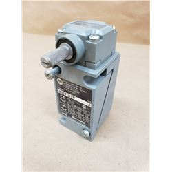 Allen-Bradley 802T-ATP Oiltight Limit Switch