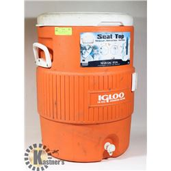 IGLOO SEAT TOP BEVERAGE COOLER 10 GAL / 37.8L