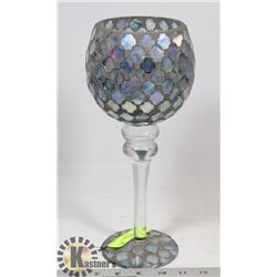 ORNATE GLASS DECORATIVE GOBLET.