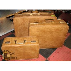 VINTAGE 3PC GOLD LEATHER SUITCASE SET WITH GOLD