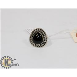 STERLING SILVER ONYX RING SIZE 5.5.