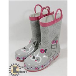 CHILD RUBBER BOOTS SIZE 9