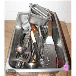 STAINLESS STEEL INSERT WITH ASSORTED KITCHEN