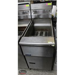 PITCO NATURAL GAS DUAL BASKET DEEP FRYER ON CHOICE