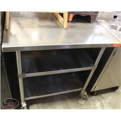 WASSERSTROM S/S COMMERCIAL PREP-TABLE ON CASTORS