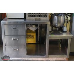 STAINLESS STEEL 3 DRAWER WORK TABLE EQUIPMENT
