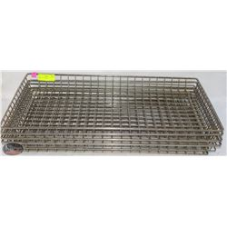 WIRE RACKS 16  X 26  LOT OF 4