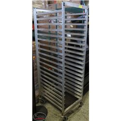 20 SLOT COMMERCIAL BAKERS RACK WITH/ CASTORS -FULL