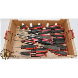 FLAT OF CRAFTSMAN SCREWDRIVERS