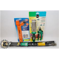 LOT OF NEW ITEMS INCL MIRACLE GRO GARDEN SET, V