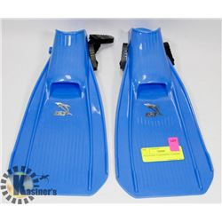 YOUTH SIZE S SWIMMING FLIPPERS
