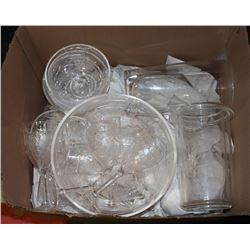 BOX OF ESTATE OUTDOOR PATIO SERVING ITEMS