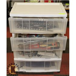 4 DRAWER MOVEABLE STORAGE UNIT WTH CONTENTS