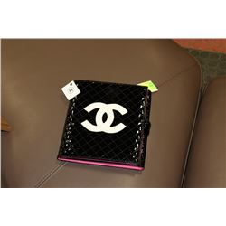 CHANEL BLACK AND PINK REPLICA MAKE UP HOLDER
