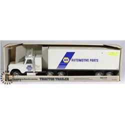 1980 DIECAST NAPA  AUTOMOTIVE PARTS NO829D TRACTOR